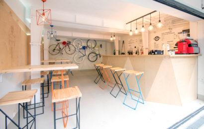 Atelier Pinion, pit-stop pentru biciclişti. Și cafea. La Romană