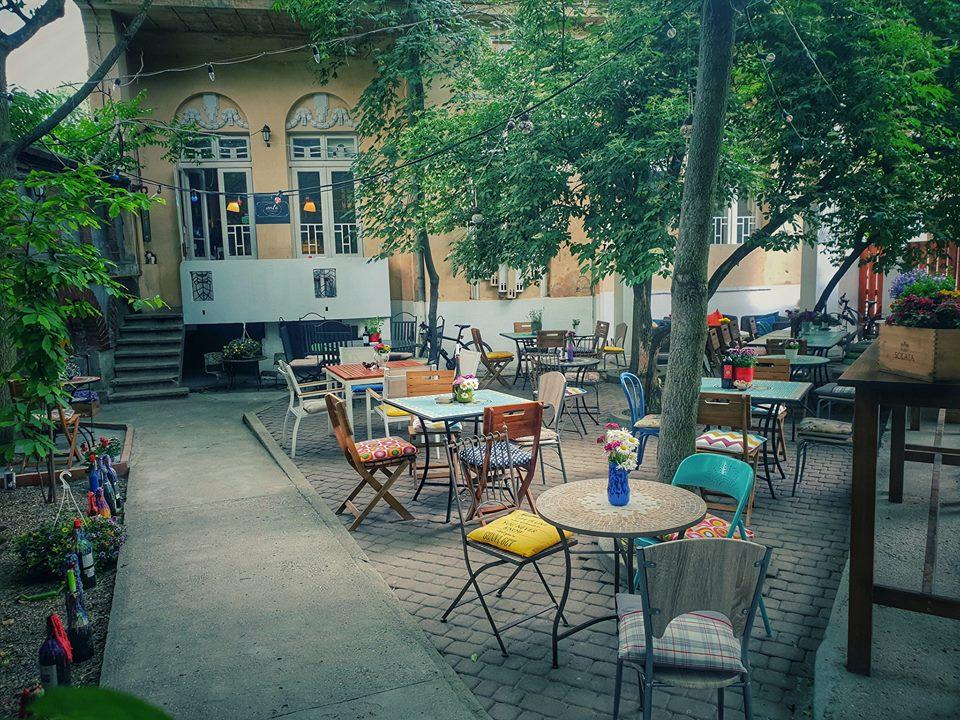 Voila bistro București terasă