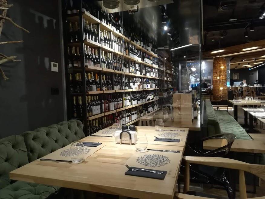 gastrolab-bucurești-victoriei-restaurant-design-interior-masă