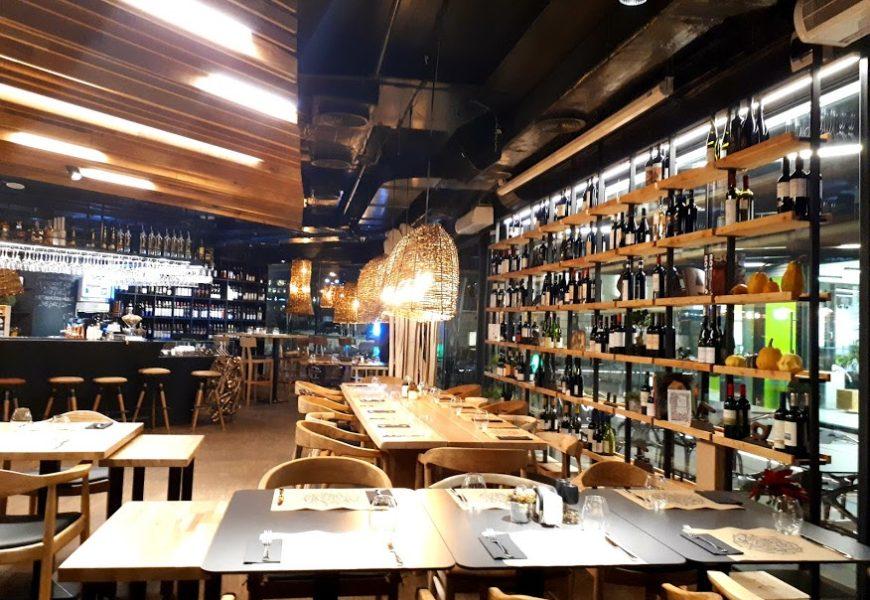 GastroLab, wine&food experience, la Piața Victoriei!