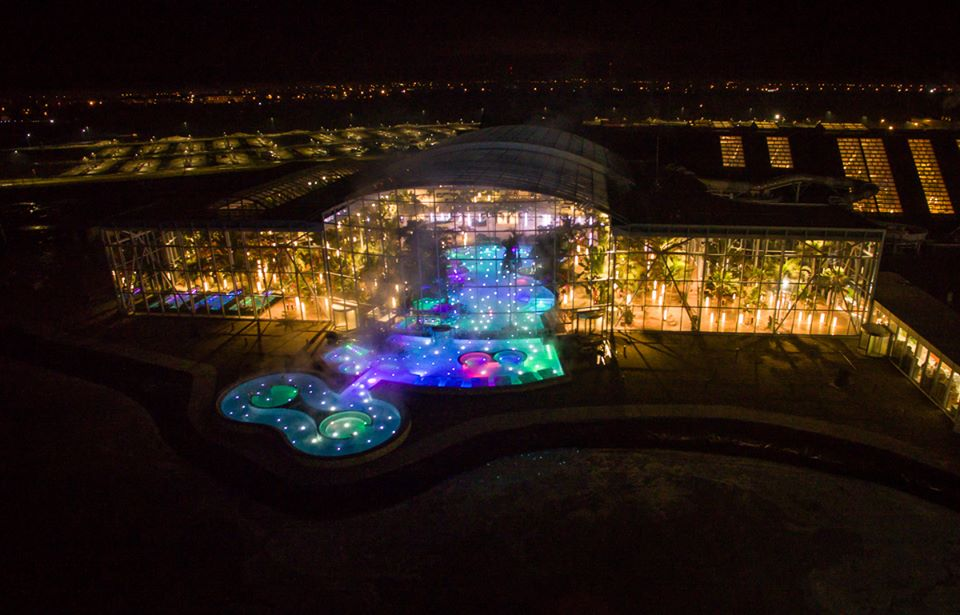 therme-bucharest-by-night