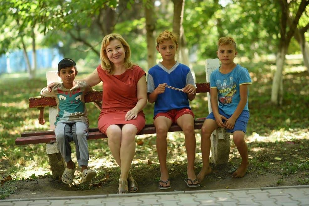 Cămine în Mișcare, copii din sat Comloșu Mare, foto Diana Bilec