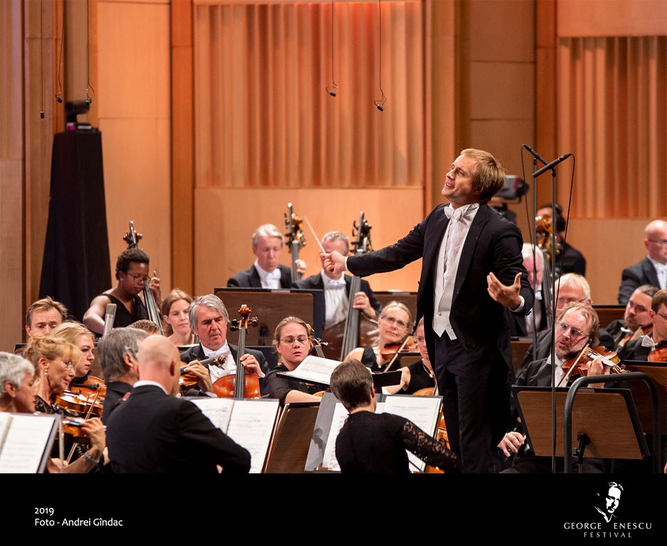 Vasily Petrenkp-dirijor-conductor-Oslo-Philarmonic