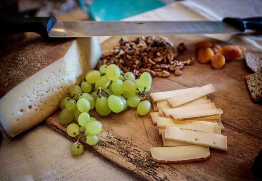 #Producători Locali Autentici. Brânză artizanală (1): Meșendorf și Timian. Informații utile: cine, ce, cum, cât.
