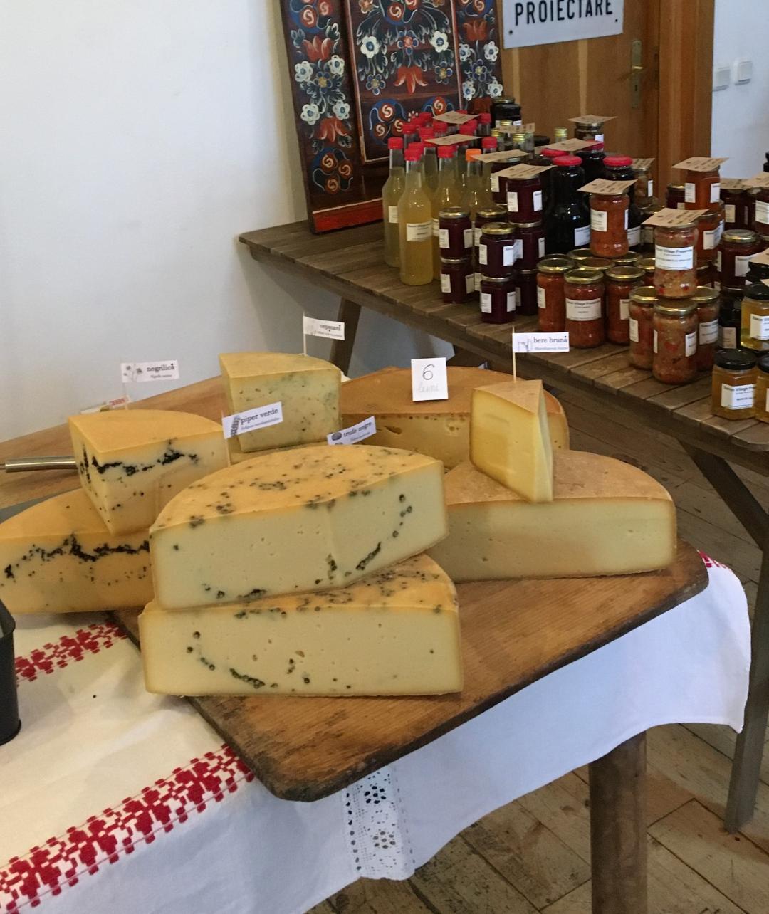 brânză locală maturată Meșendorf , Producători Locali Autentici