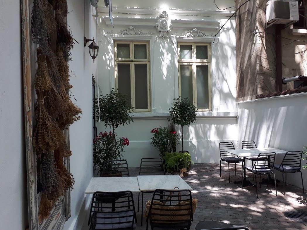 Anika restaurant, terasă