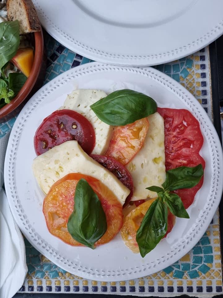 De Corina Blog, restaurant Băcănia Veche Romană Delicatese și grădină